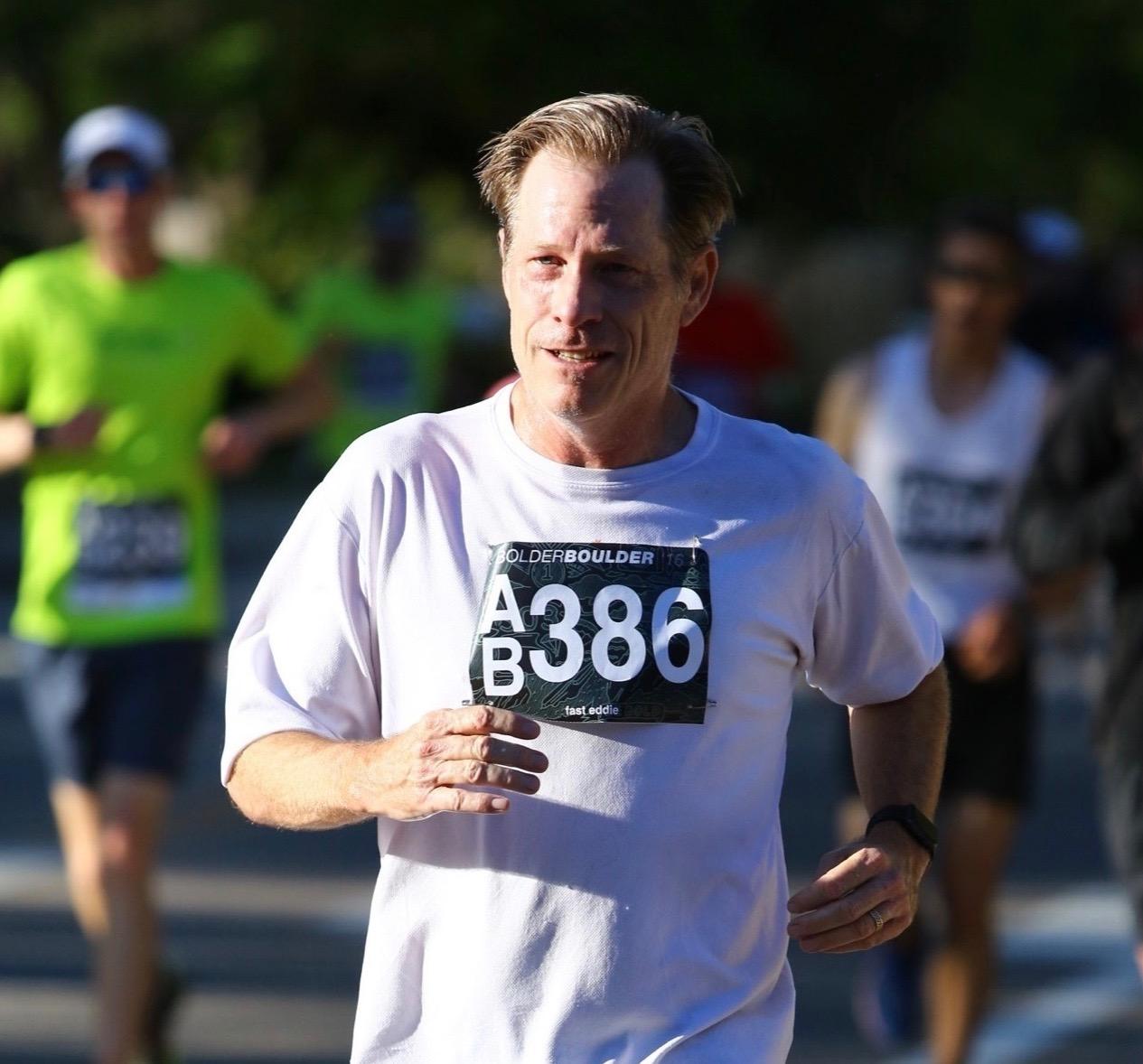 race photo mile 2c